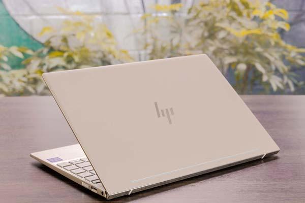 mua-laptop-cua-hang-nao