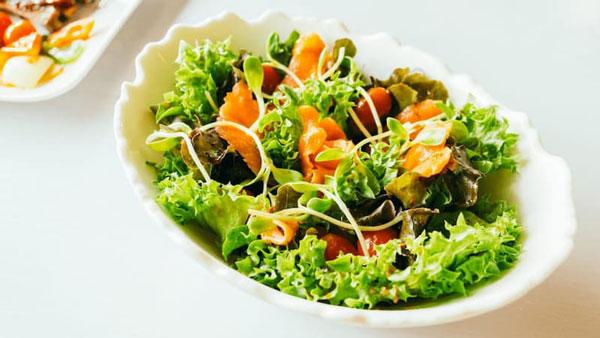 salad-rong-nho-chay